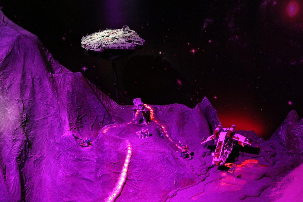 Falcon, Gunship and Walker on planet Mustafar