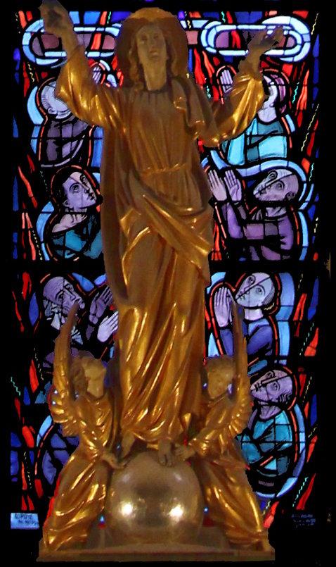 Maria als Patronin der leidenden Kirche (mittleres Chorfenster unten)